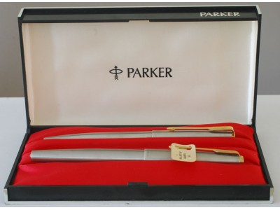 PA2488 Parker 65 Flighter Deluxe Fountain pen and Ballpoint Set, boxed.  (Fine)