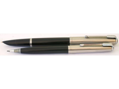 PA2493 Parker 51 Aerometric Fountain Pen and Pencil Set. (Broad)