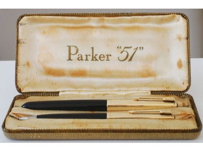 PA2580 Parker 51 Custom Aerometric Fountain Pen and Pencil Set, boxed. (Broad)