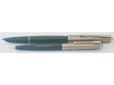 PA2622 Parker 51 Classic (Transitional) Fountain Pen & Pencil Set, boxed.  (Generous Broad)