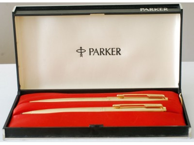 PA2762 Parker 61 Insignia Ballpoint and Pencil Set, boxed.