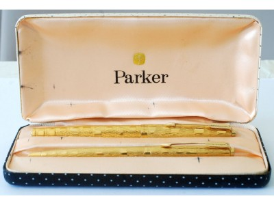 PA2794 Parker 61 Cumulus Fountain Pen and Ballpoint Set, boxed.  (Medium-Broad)