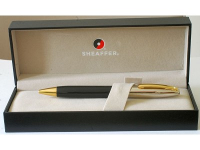 SH1714 Sheaffer Legacy Heritage 9030-2 Ballpoint, Black Lacquer, Palladium Cap with Gold Trim, boxed